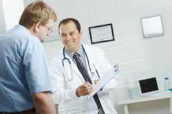 Обследование у врача при простатите